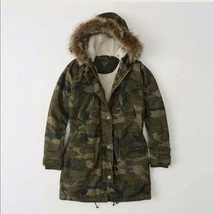 Abercrombie &Fitch Sherpa Twill Parka Camo Jacket